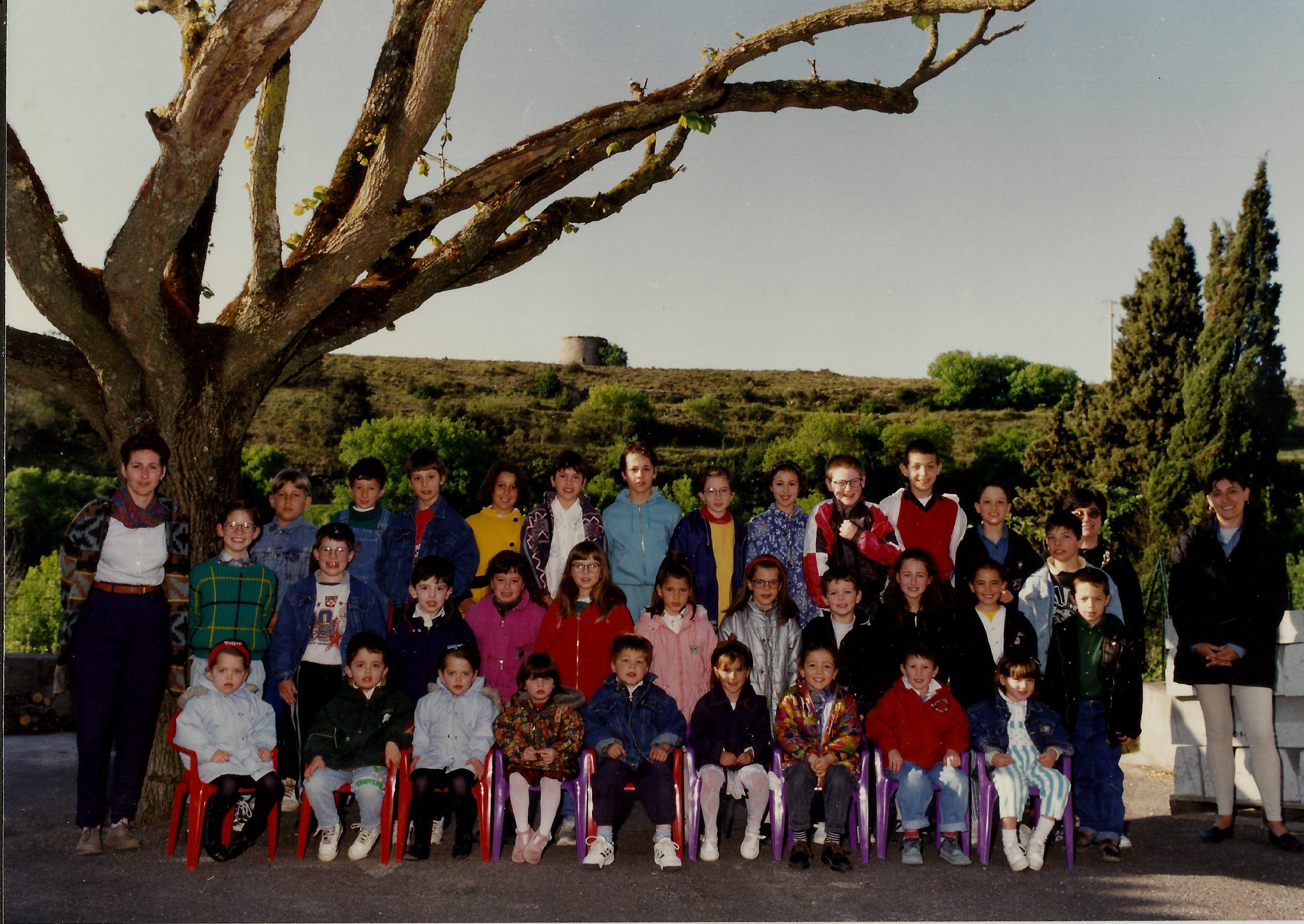 199697