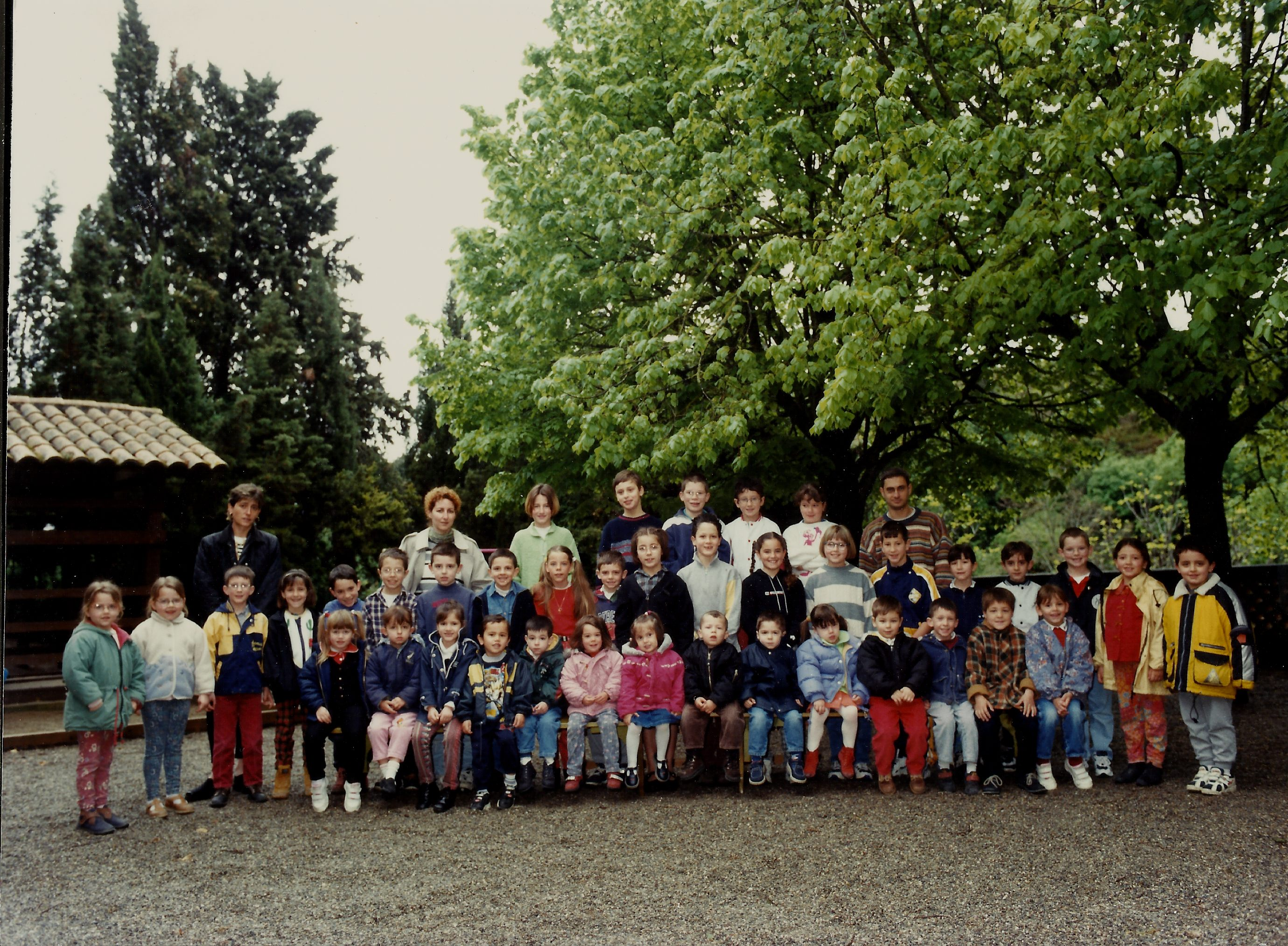 199899